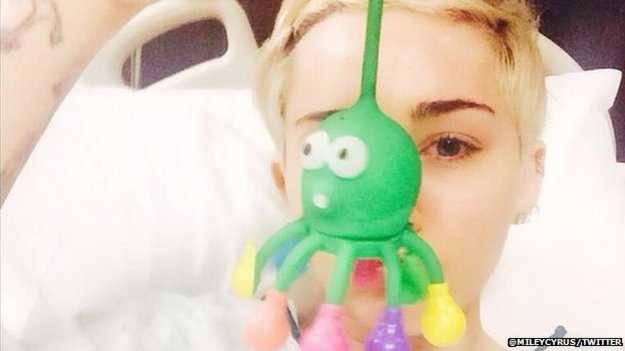 Mini news: 'Drug overdose' did not cause Miley Cyrus hospital stay, says star
