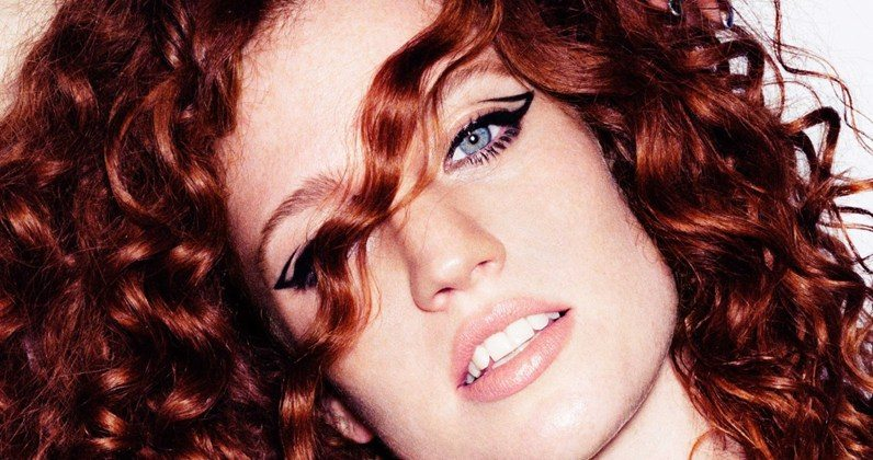 Jess Glynne set for vocal surgery after pulling out of Isle of Wight Festival