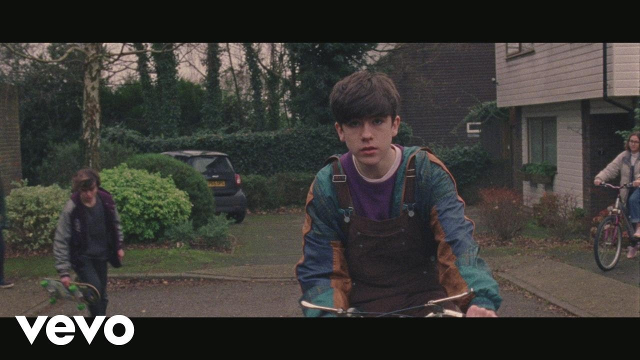 Declan McKenna – The Kids Don't Wanna Come Home (Official Video)