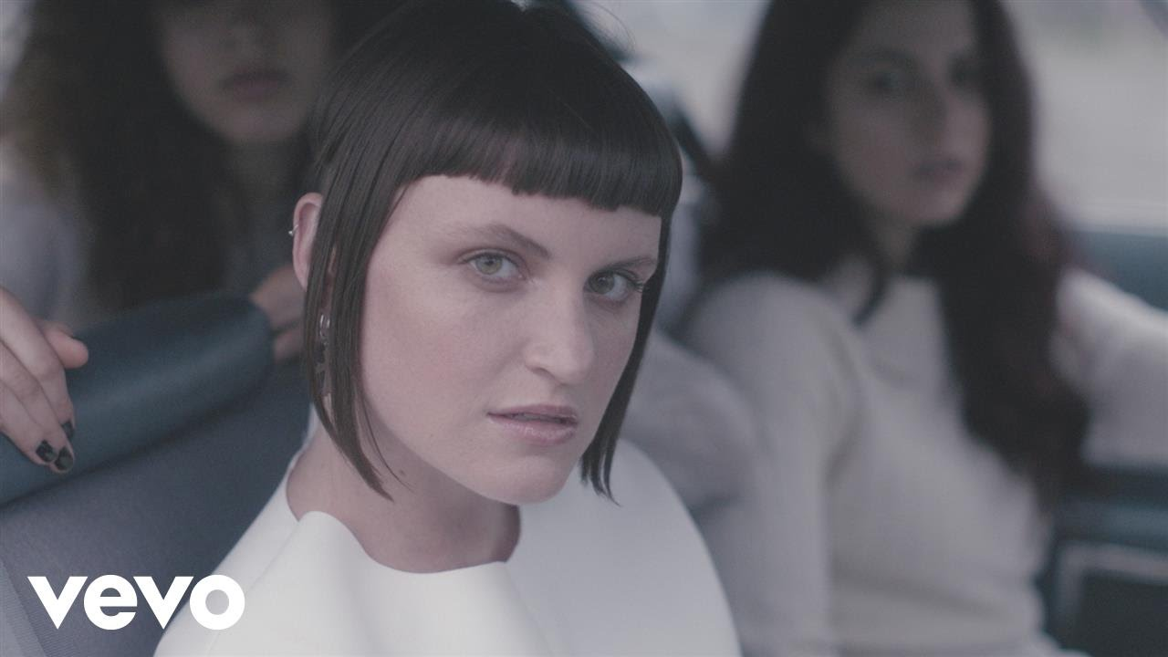 MUNA – I Know a Place (Official Video)