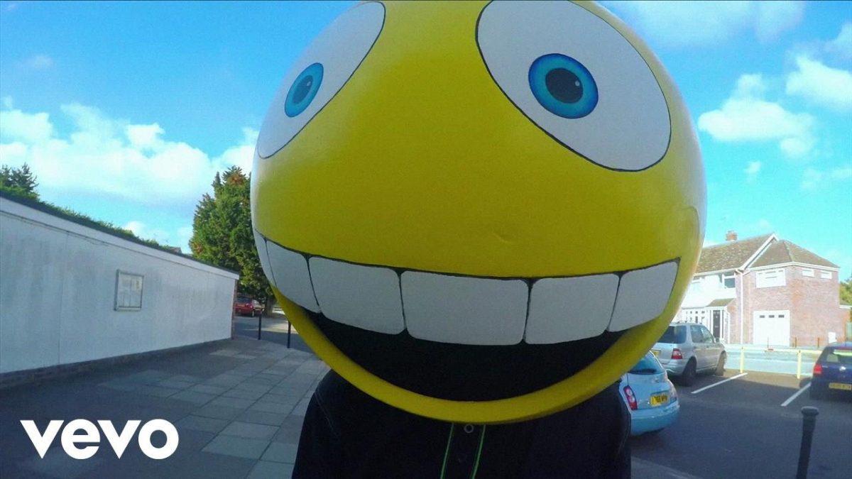FREAK – I Like To Smile When I'm Sad (Official Video) @freakalt