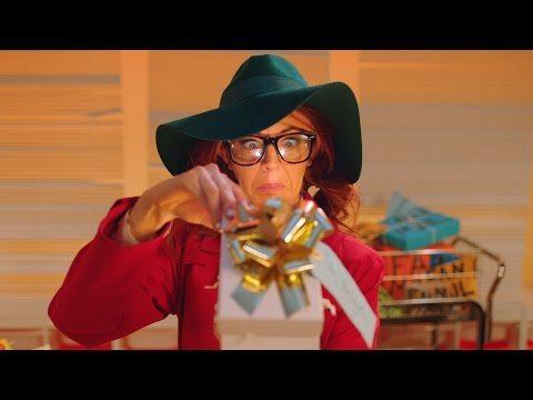 Lindsey Stirling – Hold My Heart ft. Phelba (Official Video) @LindseyStirling
