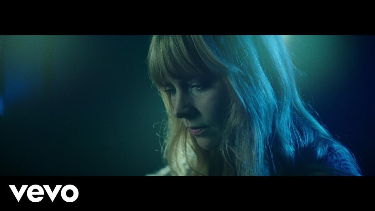 Lucy Rose – Floral Dresses ft. The Staves (Official Video) @lucyrosemusic @thestaves