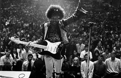 #MusicMoments | Jimi Hendrix Performs with his Fender Stratocaster, Civic Auditorium 1968