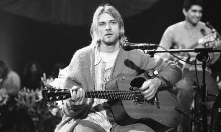 #MusicMoments | Kurt Cobain Taping MTV Unplugged in New York November 18, 1993