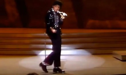 #MusicMoments | Michael Jackson's First Moonwalk on Motown 25, March 25th, 1983
