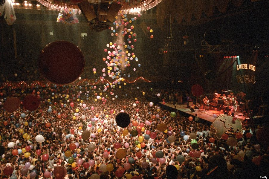 #MusicMoments | The Grateful Dead Play in San Francisco on New Year's Eve 1984