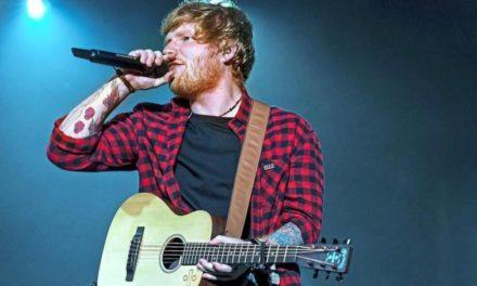 Watch the Crowd Light Up the Sky During Ed Sheeran's Set At Glastonbury | @edsheeran #Glastonbury