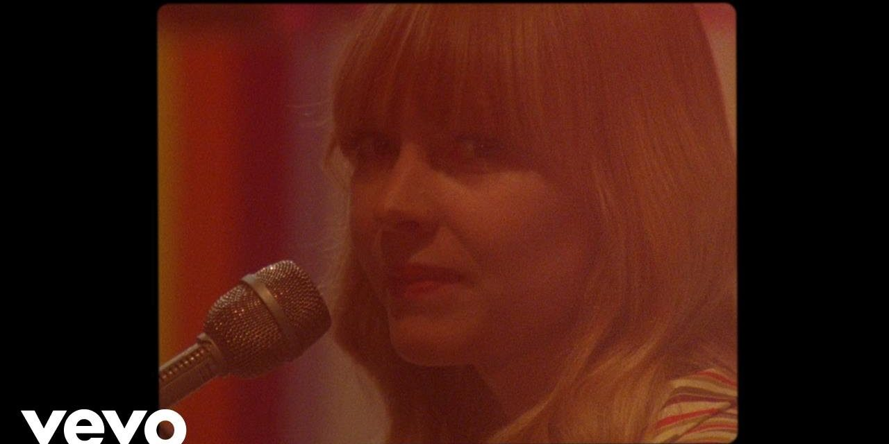 Lucy Rose – No Good At All @lucyrosemusic  #NoGoodAtAll
