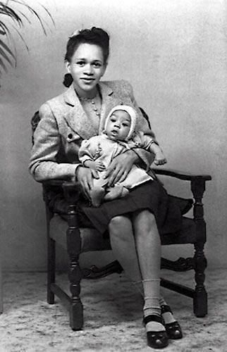 #MusicMoments: Baby Jimi Hendrix, early 1940s. #TheMusicSite