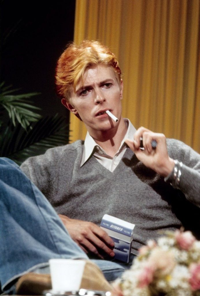 #MusicMoments: David Bowie, smoking a Gitane, is interviewed on 'Good Morning America' in 1976, Los Angeles.#TheMusicSite