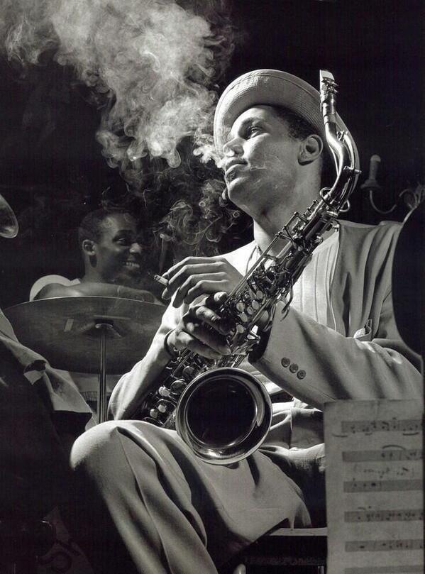 #MusicMoments: Dexter Gordon in New York City, 1948. #TheMusicSite