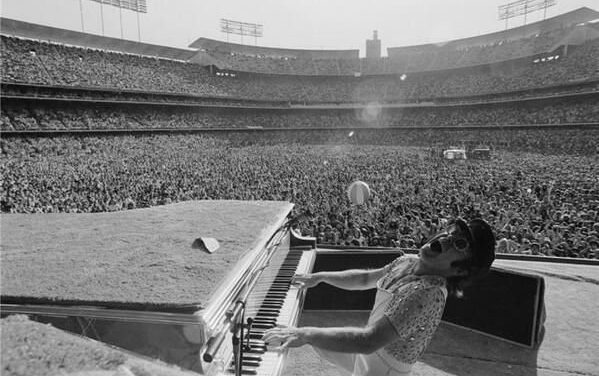 #MusicMoments | Dave Grohl, David Bowie, Dexter Gordon, Diana Ross, Elton John.