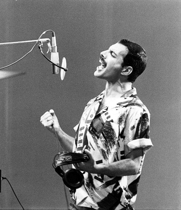 #MusicMoments: Freddie Mercury, 1985. #TheMusicSite