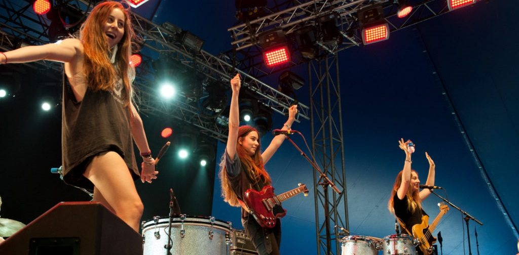 HAIM Cover 'That Don't Impress Me Much' by Shania Twain
