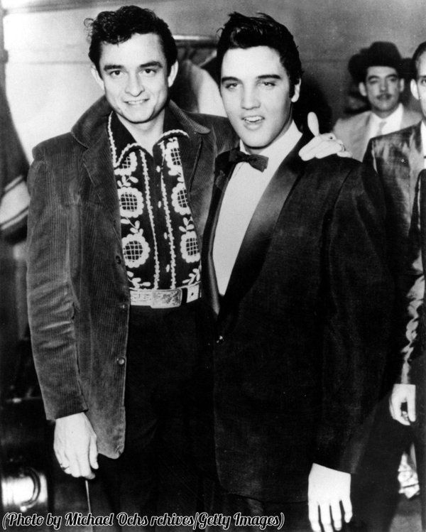 #MusicMoments: Johnny Cash and Elvis Presley pose for a portrait in Memphis, Tennessee, 1957. #TheMusicSite