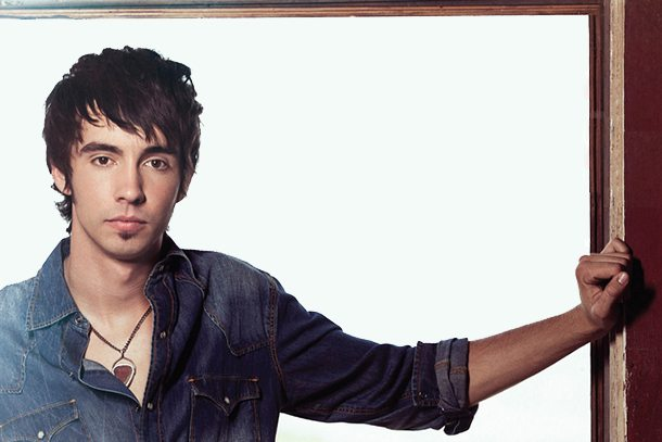 Interview:  Catch Up With Mo Pitney Ahead Of Country2Country Music Festival | @MoPitneyOfficial