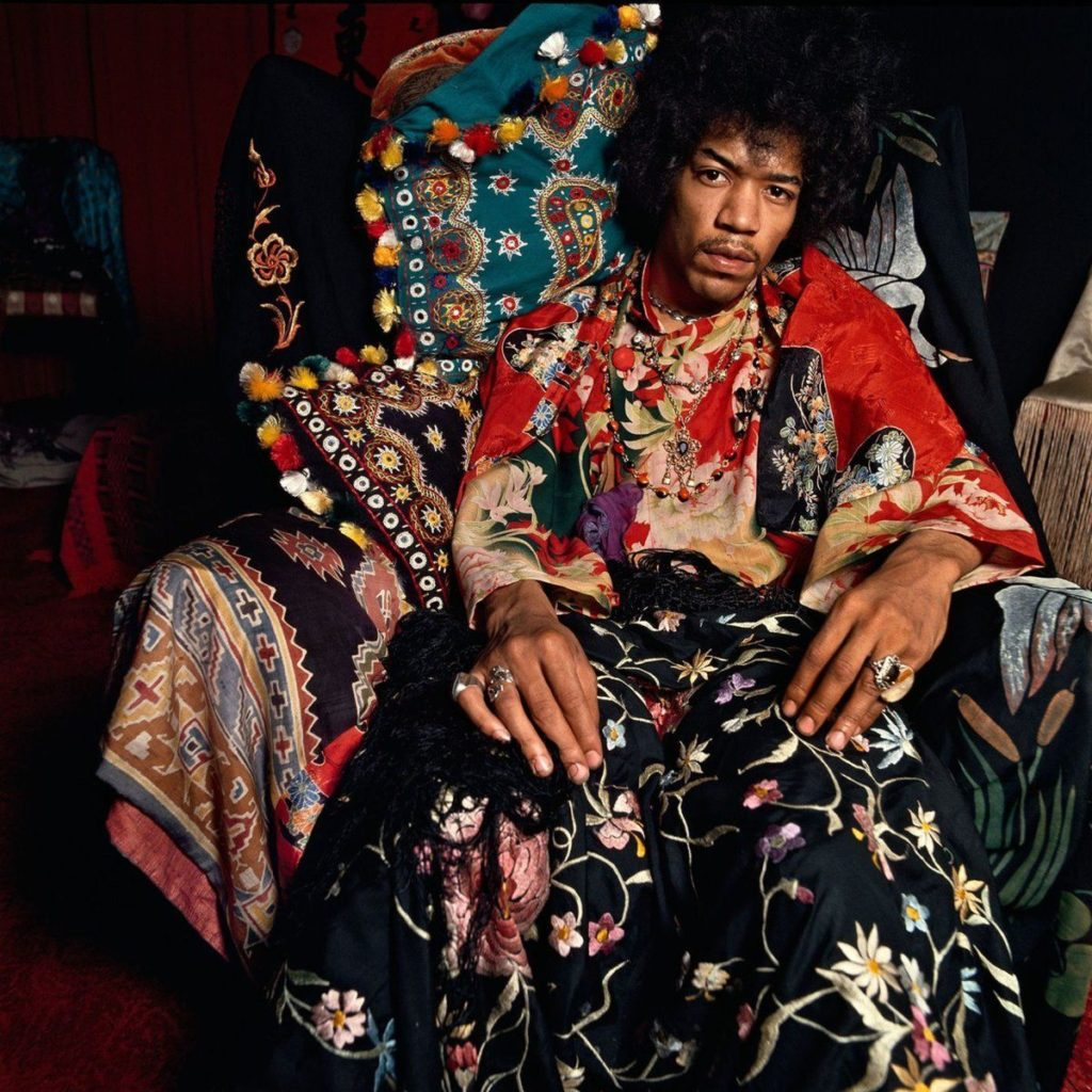 #MusicMoments: Jimi Hendrix in his London flat for The Sunday Times, August 1967. #TheMusicSite
