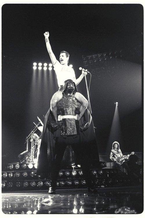 #MusicMoments: Freddie Mercury riding Darth Vader. #TheMusicSite