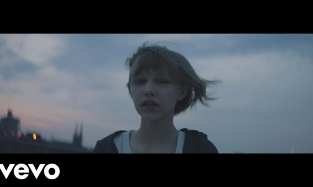 Grace VanderWaal – Moonlight