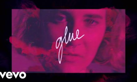 Fickle Friends – Glue (Official video)
