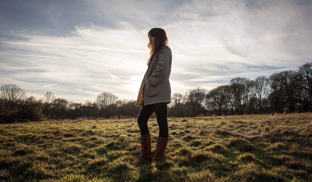 Kate Ellis Announces Vinyl Album Release with UK Tour Dates + Releases New Video | @kateellismusic