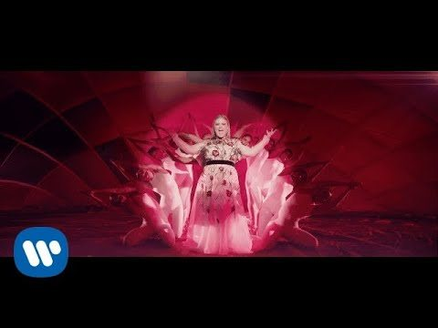Kelly Clarkson – Love So Soft (Official Music Video)