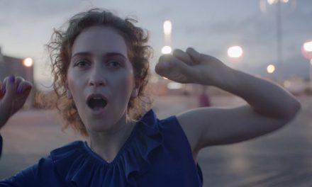 Rae Morris – DO IT (Official Music Video)