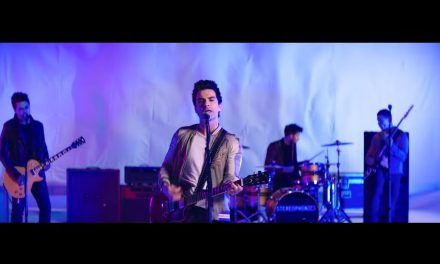 Stereophonics – Caught By The Wind (Official Music Video)