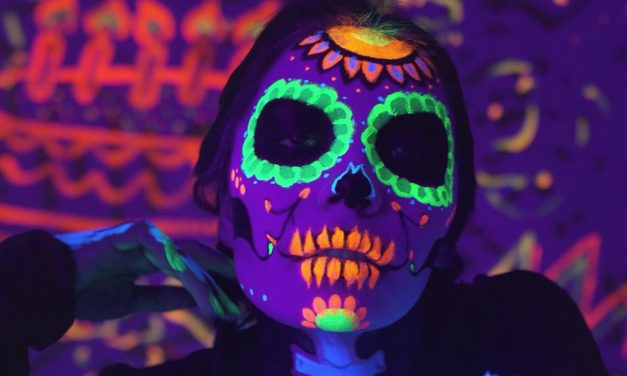 J Balvin & Willy William – Mi Gente (Steve Aoki Remix) (Official Music Video)