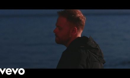 Tom Walker – Leave a Light On (Official Music Video)