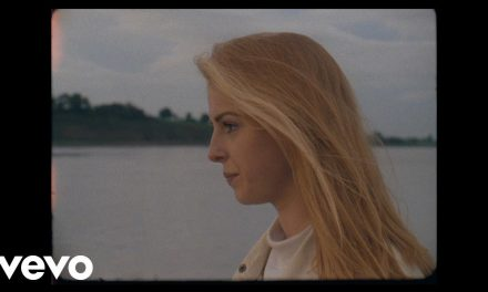 Fenne Lily – Three Oh Nine (Official Music Video)