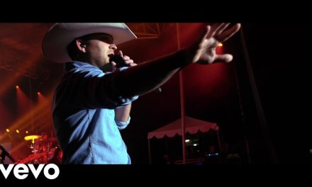 Justin Moore – Kinda Don't Care (Official Music Video)