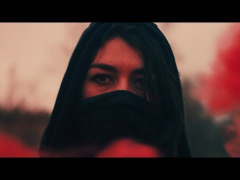 Le Malls feat. Imogen Mahdavi – Touch (Official Music Video)