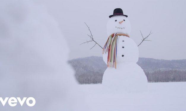 Mariah Carey – Lil Snowman (Official Music Video)