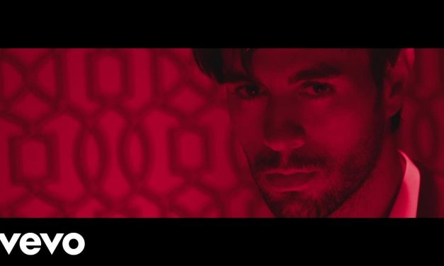 Enrique Iglesias – EL BAÑO ft. Bad Bunny (Official Music Video)