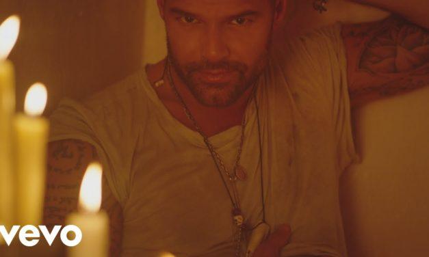 Ricky Martin – Fiebre ft. Wisin, Yandel (Official Music Video)