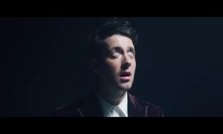 The Wombats – Turn (Official Music Video)