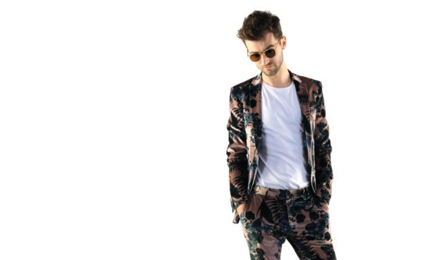 Charlie Barnes Gets Painted In His New Video | @charliebarnes