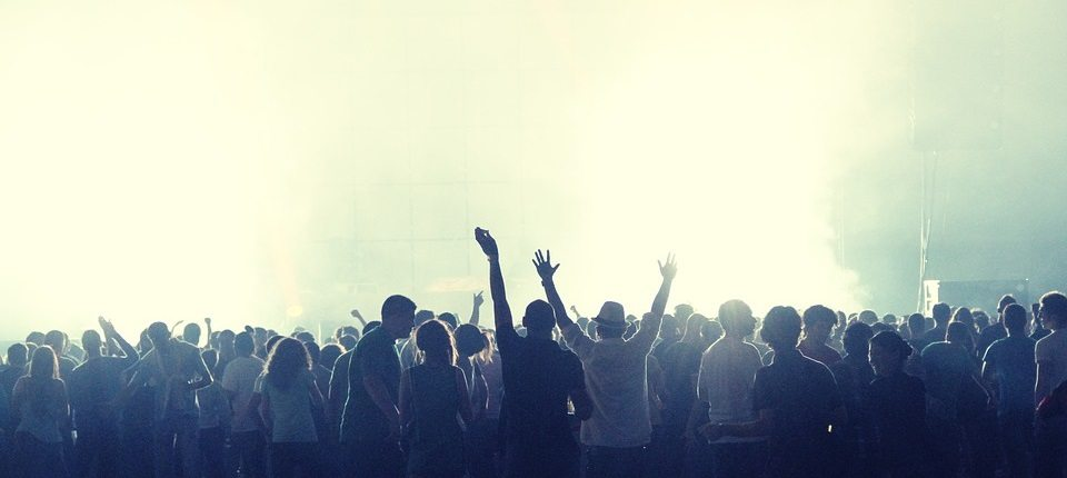 Tips Bands Can Use to Book More Live Gigs